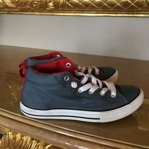 Converse high top shoes size 5